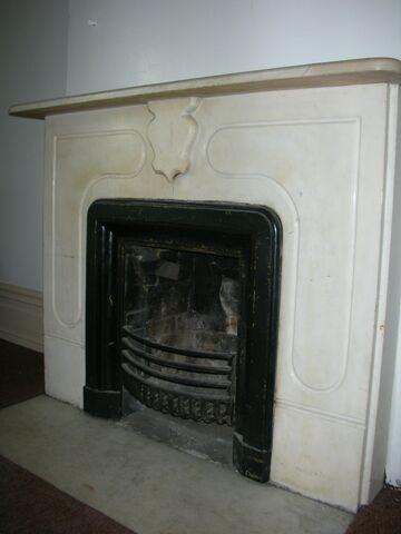File:Waukegan 438 interior pi classroom fireplace.jpg