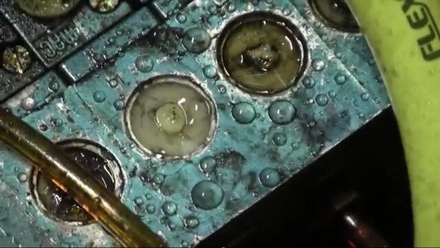 File:Leaky valves.jpg