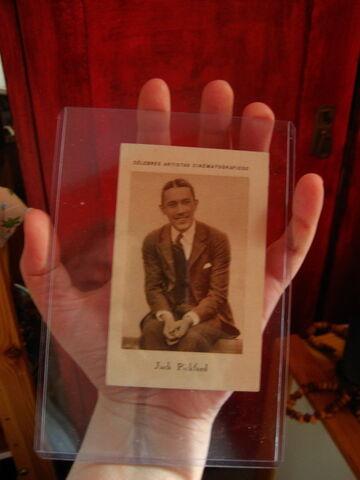File:Kid Veidt holding Jack Pickford card.jpg