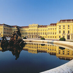 Alexandrien Palast, Summer Retreat of the Royal Family and Major Attraction