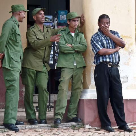 Norte Soldiers talk with locals