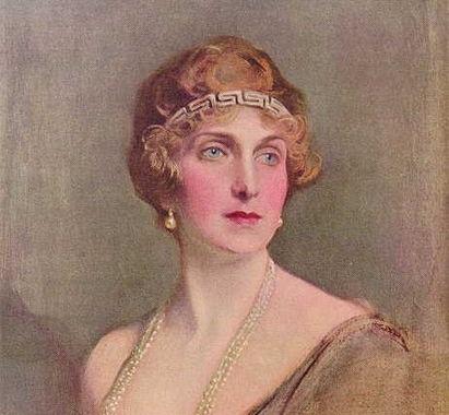 File:Her Grand Majesty Queen Morrigan II Wolfker State Portrait.jpg