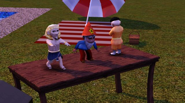 File:Three gnomes.jpg