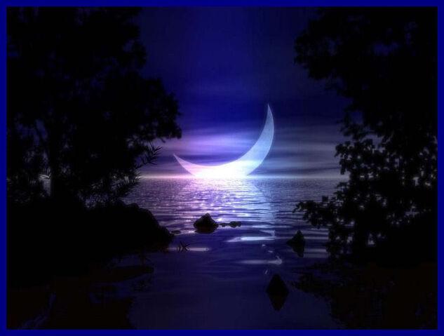 File:Pretty Moon light.jpg