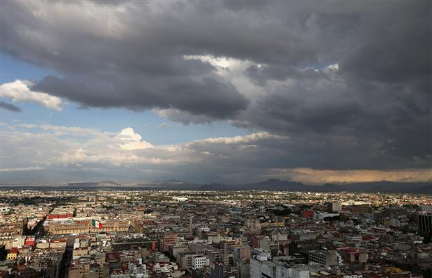 File:Mexico City overcast skyline.jpg