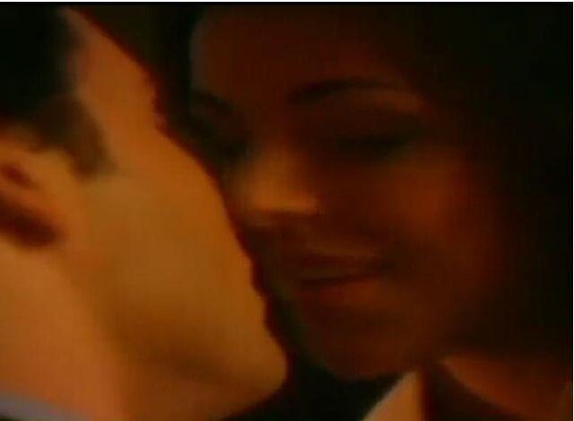 File:Zatanna kisses clark.jpg