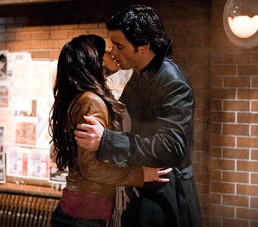 File:Clois kiss.jpg