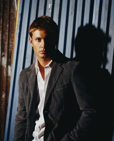 File:Jensen Ackles Smallville Promotional 4-15.jpg