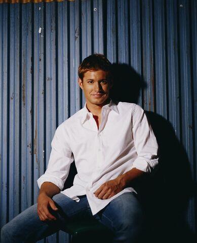 File:Jensen Ackles Smallville Promotional 5-13.jpg