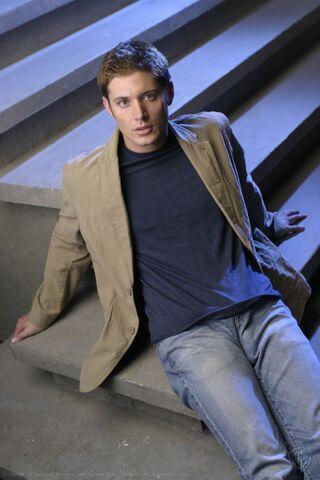 File:Jensen Ackles Smallville Promotional 1-11.jpg