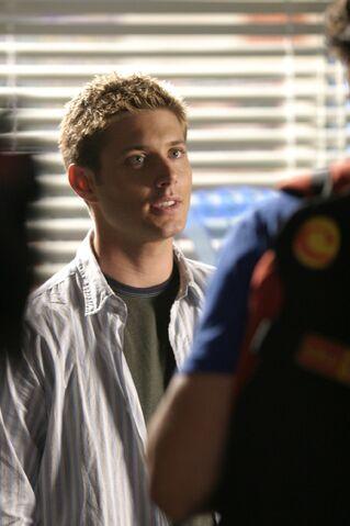 File:Jensen Ackles Smallville Stills 4x03-09.jpg
