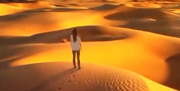 File:Poor Lois in desert1.png