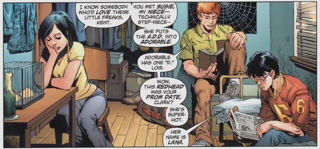 File:Superman Daily Planet Lois Lane DCNU 2390300-s5.jpg