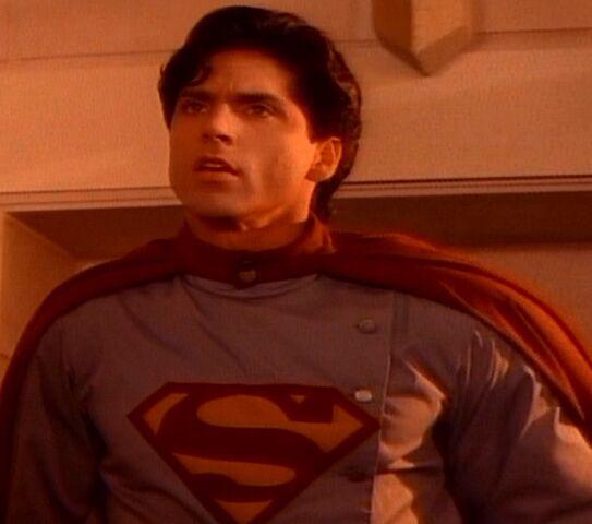File:Kal-El (Superboy- Sovereign's Earth).jpg