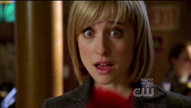 Image Chloe Expressionjpg Smallville Wiki FANDOM