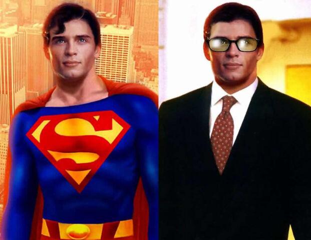 File:TomWelling Superman ClarkKent.jpg