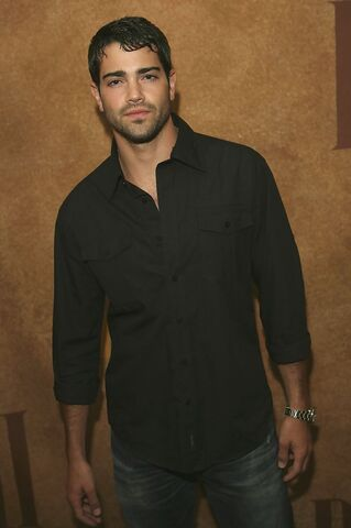 File:Jesse+Metcalfe+55th+Annual+BMI+Pop+Awards+yAPvCQk-PoAx.jpg