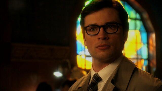 File:Smallville booster screencaps 090.jpg