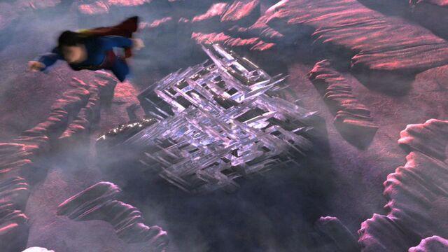 File:Smallville-Superman flies from Fortress.jpg