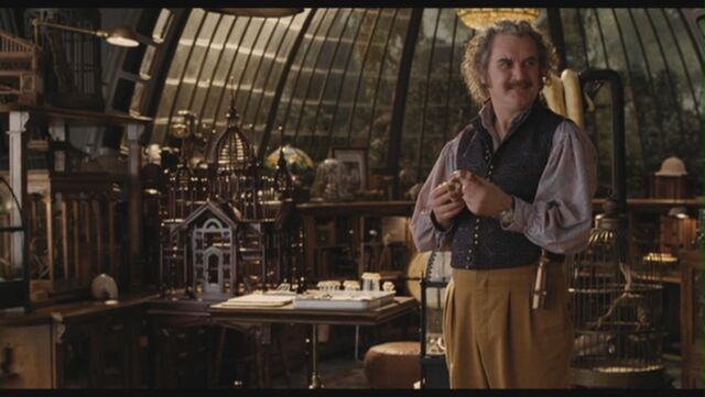 File:Billy-Connolly-as-Dr-Montgomery-Montgomery-in-Lemony-Snicket-s-A-Series-Of-Unfortunate-Events-billy-connolly-29305949-1360-768.jpg