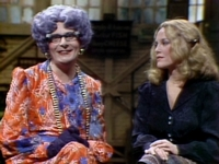 File:SNL Barry Humphries as Dame Edna.jpg