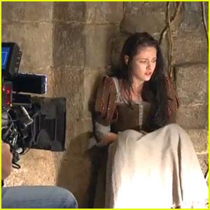 File:Snow White in Prison.jpg