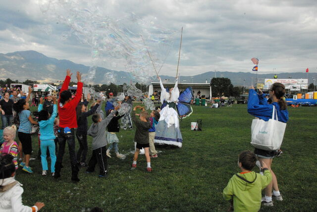 File:Balloon Classic Bubble Storm.JPG