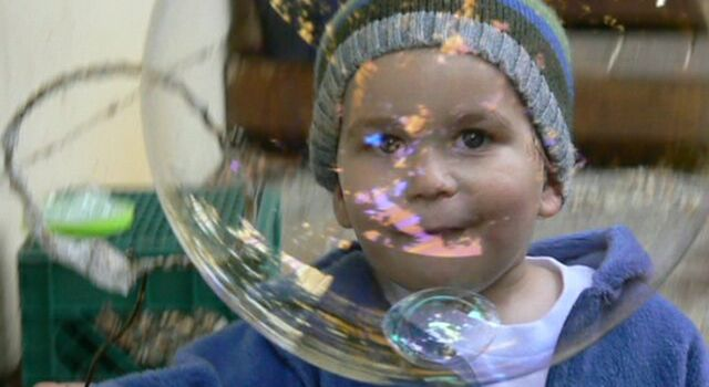 File:Jakey-chasing-bubble.jpg