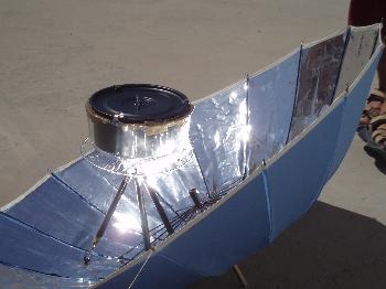 Portable solar barbecue