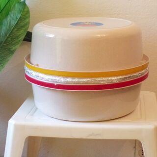 13) Cuiseur thermos installé dans la chambre