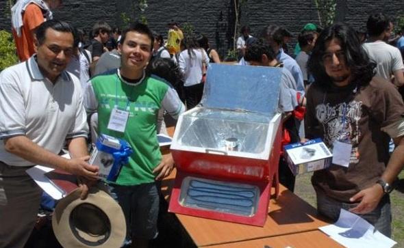 File:Carlos patricio Eyquem solar oven Chile, 3-19-13.jpg
