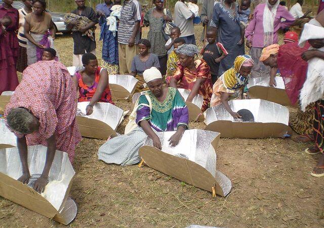 File:Biharwe village Uganda 2007.jpg