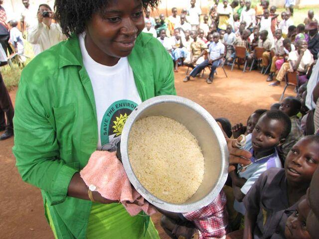 File:Max Omizek Uganda November 2008.jpg