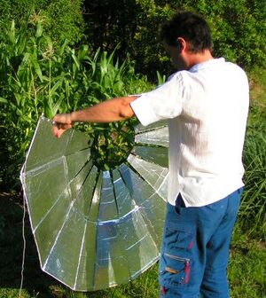 Cocina Solar Parabólica Plegable 1