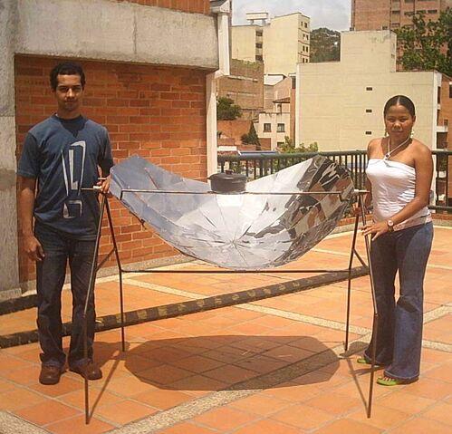 File:Mauricio Acero Olla Solar2.jpg