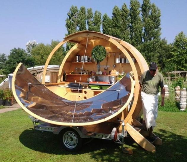 Fichier:French solar food cart, 2-10-14.jpg