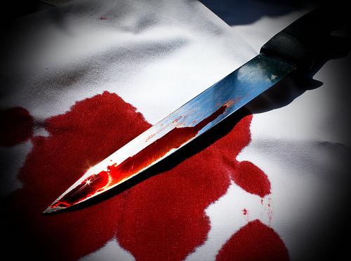 File:Bloody knife.jpg