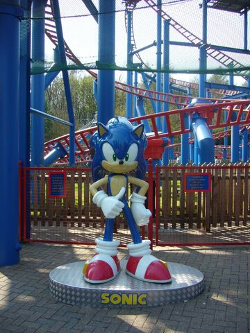File:Alton towers sonic statue.jpg
