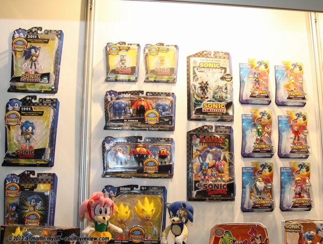 File:Toy Fair 2012 2.JPG