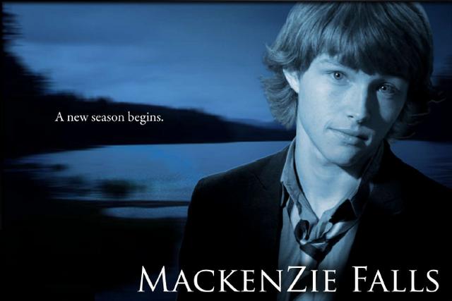 File:Mackenzie Falls.png
