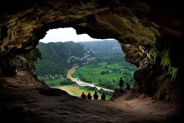 File:Laventana cave puertorico.jpg
