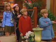 The Suite Life of Zack and Cody Hollywoodedge, Fart 2 Short Fart Clos PE139001 (1)
