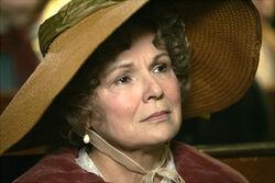 Becoming Jane-4-Julie Walters