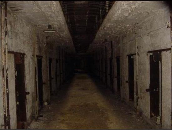 File:Foreboding hallway.jpg