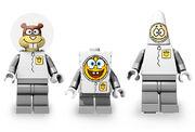 3831 Minifigures