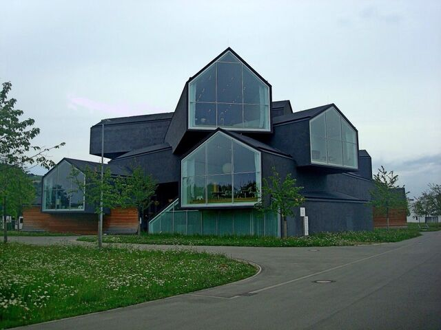 File:RealWorld Vitra House.jpg