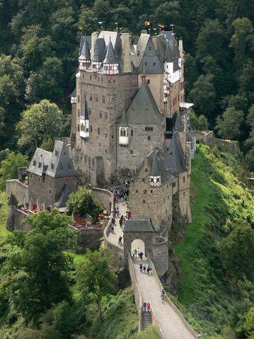 File:RealWorld Eltz Castle.jpg