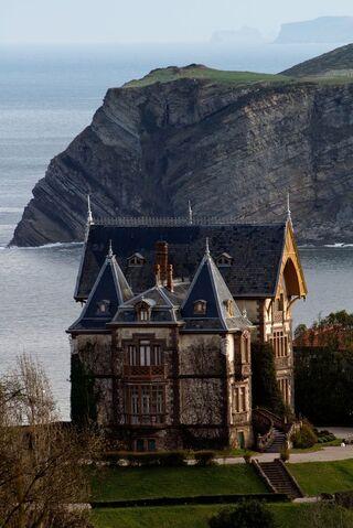 File:RealWorld Casa del Duque.jpg