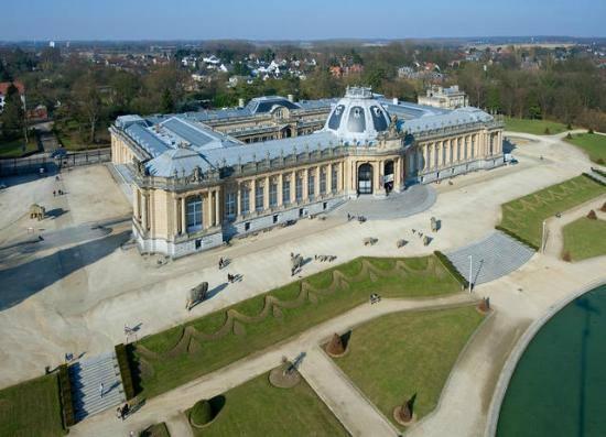 File:RealWorld Royal Family Museum.jpg