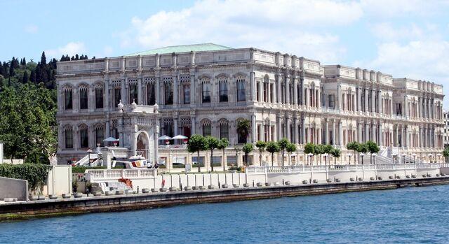 File:RealWorld Ciragan Palace Kempinski.jpg